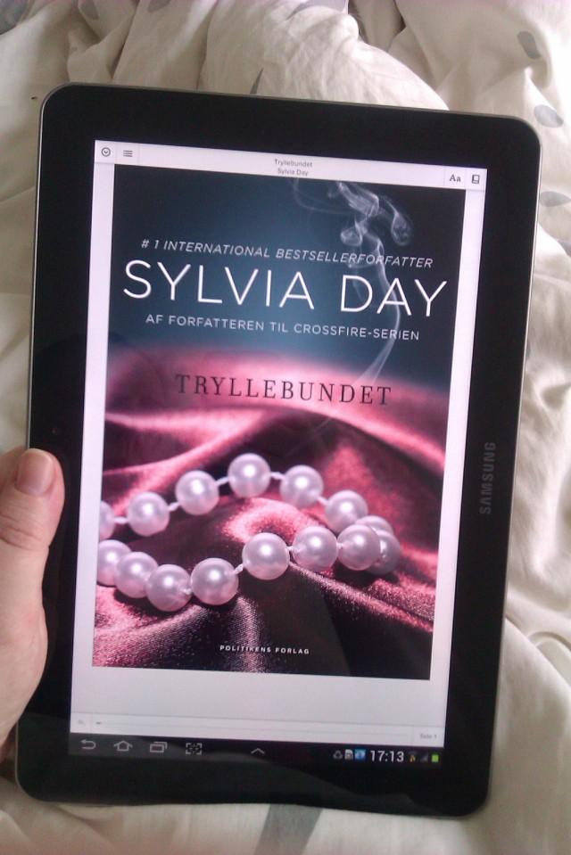 Ligge og læse i sengen- min yndlingssommerbeskæftigelse